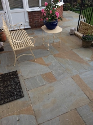 York Grey Indian Sandstone Paving Slabs - Mix Size Patio Pack