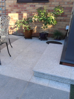 Silver Grey Granite Paving Slabs - Mix Size Patio Pack