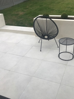 Earth White Outdoor Porcelain Paving Slabs - 600x600 Pack