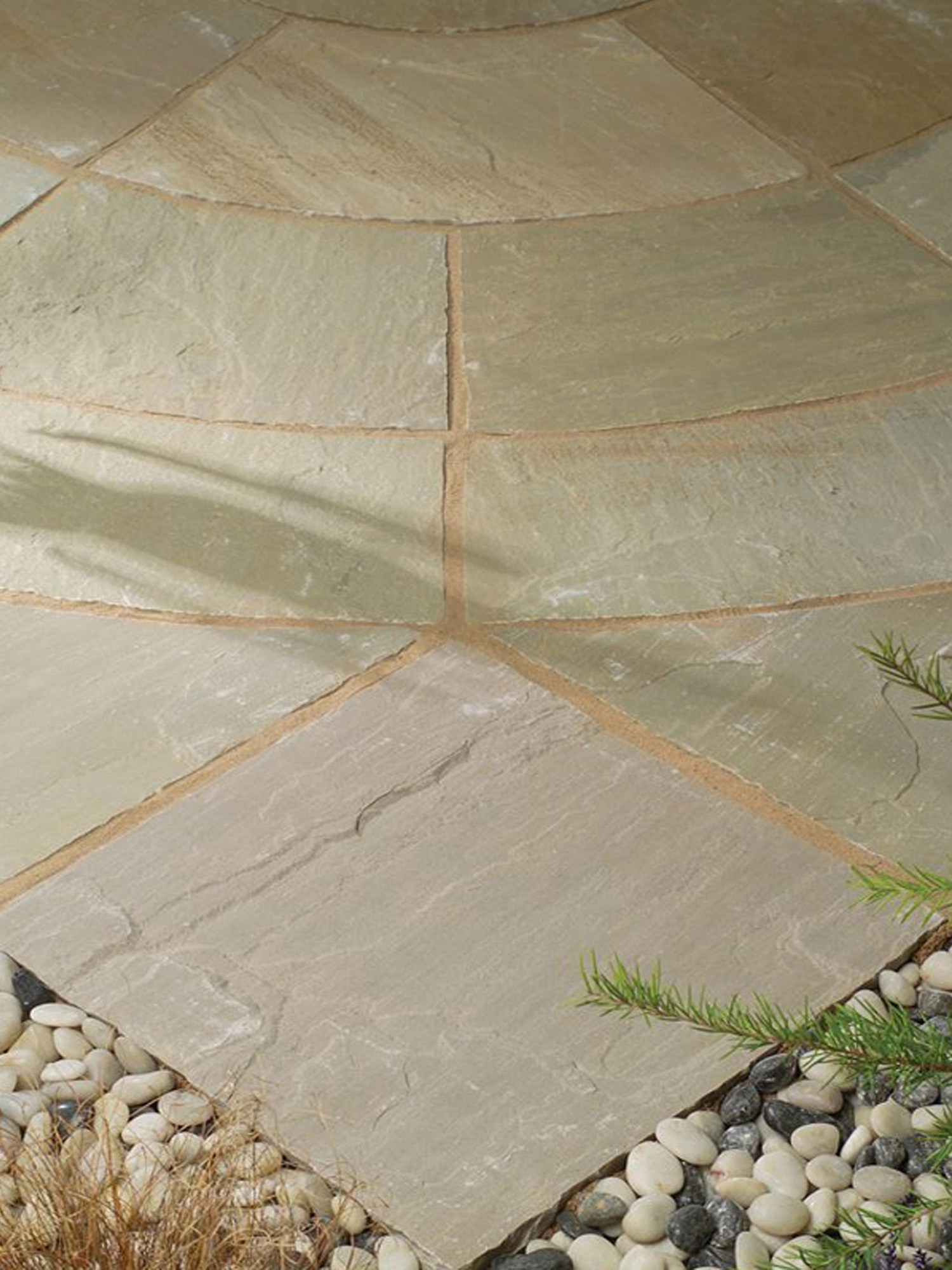 Raj Blend Indian Sandstone Circle Feature - 2.7m Diameter